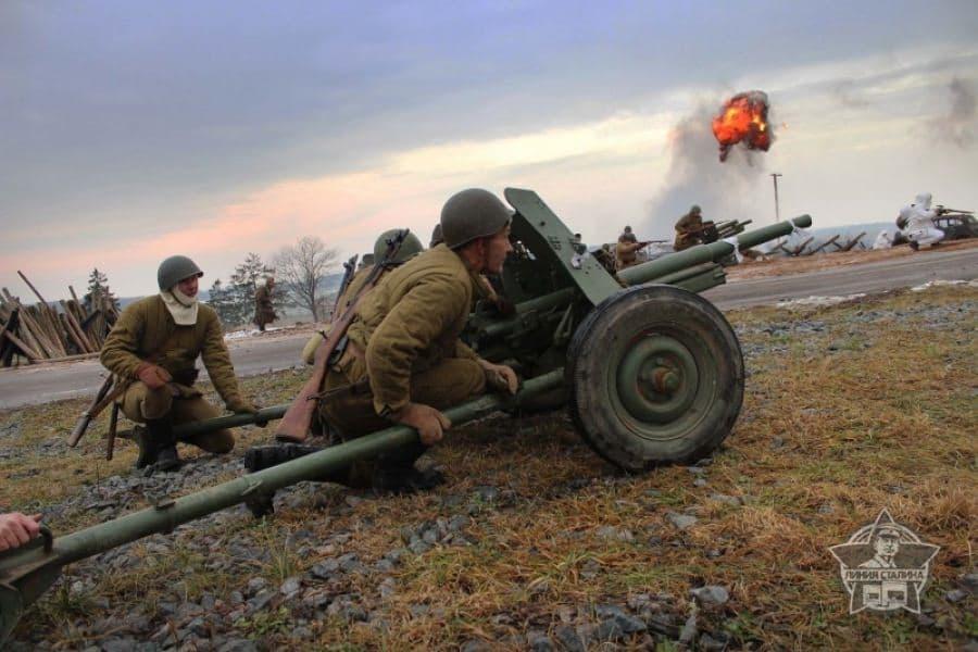 День Артиллериста отметили на Линии Сталина